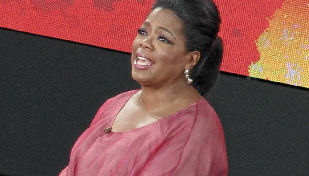 STOR STJERNE : I mai var det slutt på «The Oprah Winfrey Show», og stjernen holdt avslutningsshow verden over. Allerede her kan vi se at Oprah er blitt overvektig. Senere er det blitt verre.