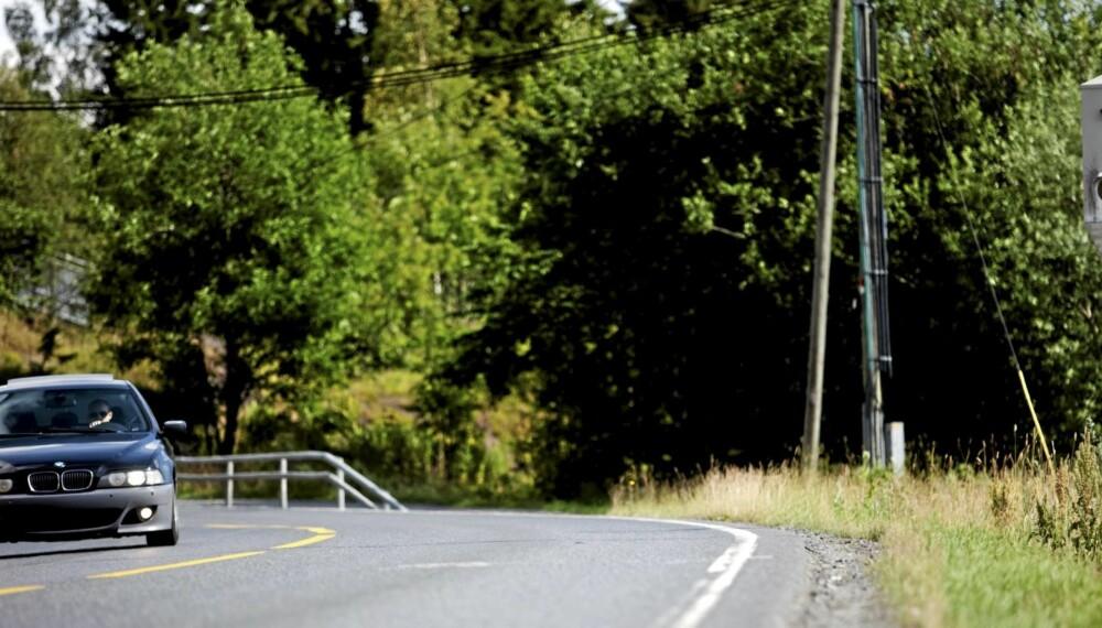 VÆR OBS: Kjører du på en av de nevnte strekningene gjelder det å holde grensen. Et gult lys like etter fotoboksen avslører om du har kjørt for fort.