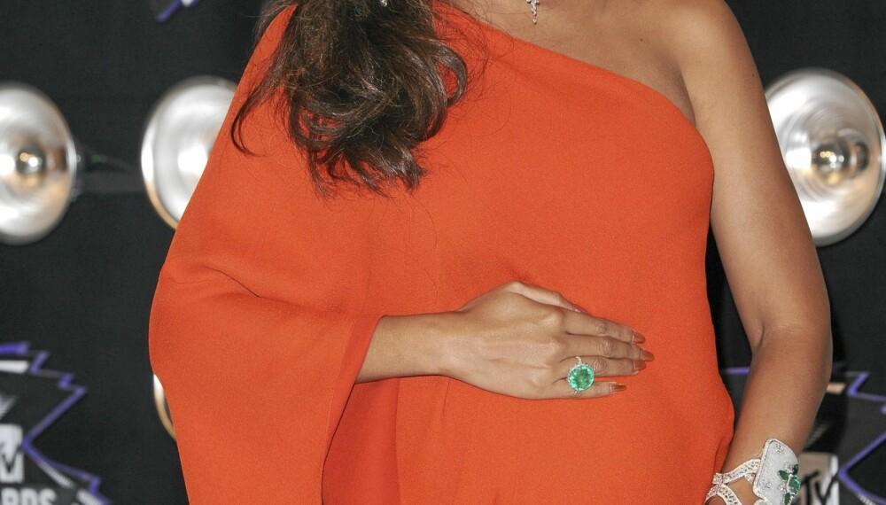 Beyoncé viste frem babybulen sin.