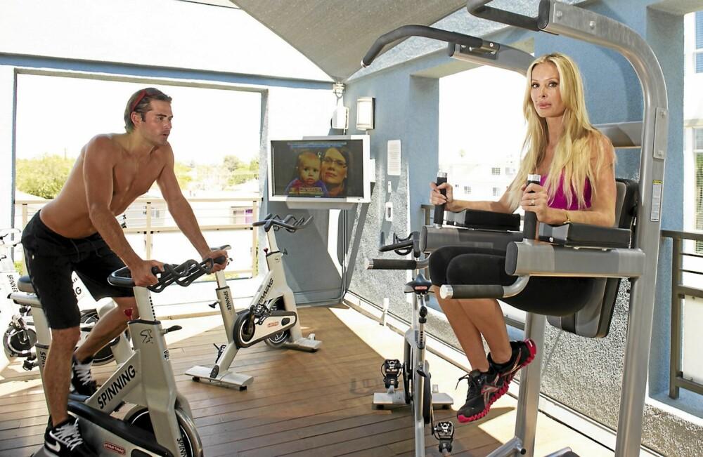 TRENER SAMMEN: Loren har ikke fått flytte tilbake til Monica ennå, men de trener ofte sammen i boligkompleksets innbydende gym.