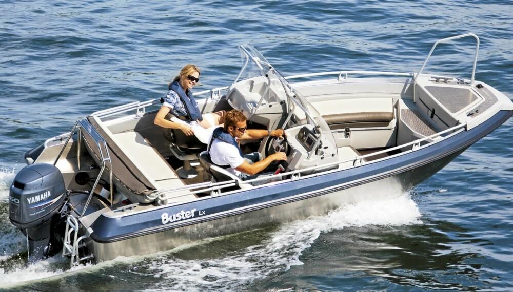 LX: Lx tilføres to funksjoner fra større båter til Busters mest populære båtmodell i de nordiske landene.
