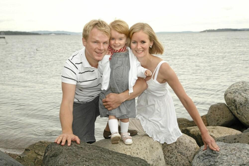 FAMILIEKJÆR:   Inger Lise har full støtte på hjemme-banen fra ektemannen David og datteren Filippa.