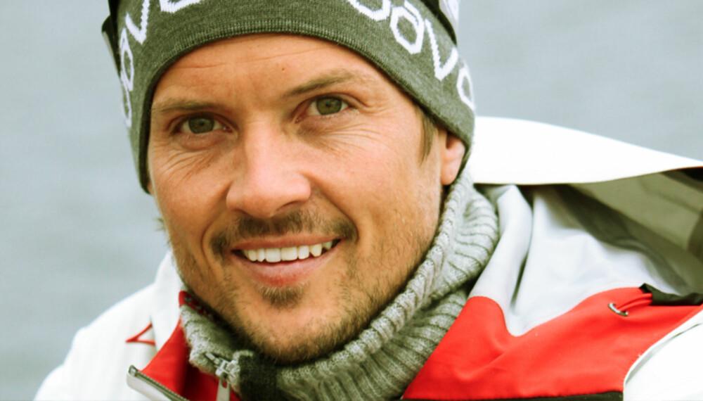 LAR SEG IKKE KNEKKE: Håvard Berg Fossum kom tett på døden da en murvegg raste over ham.