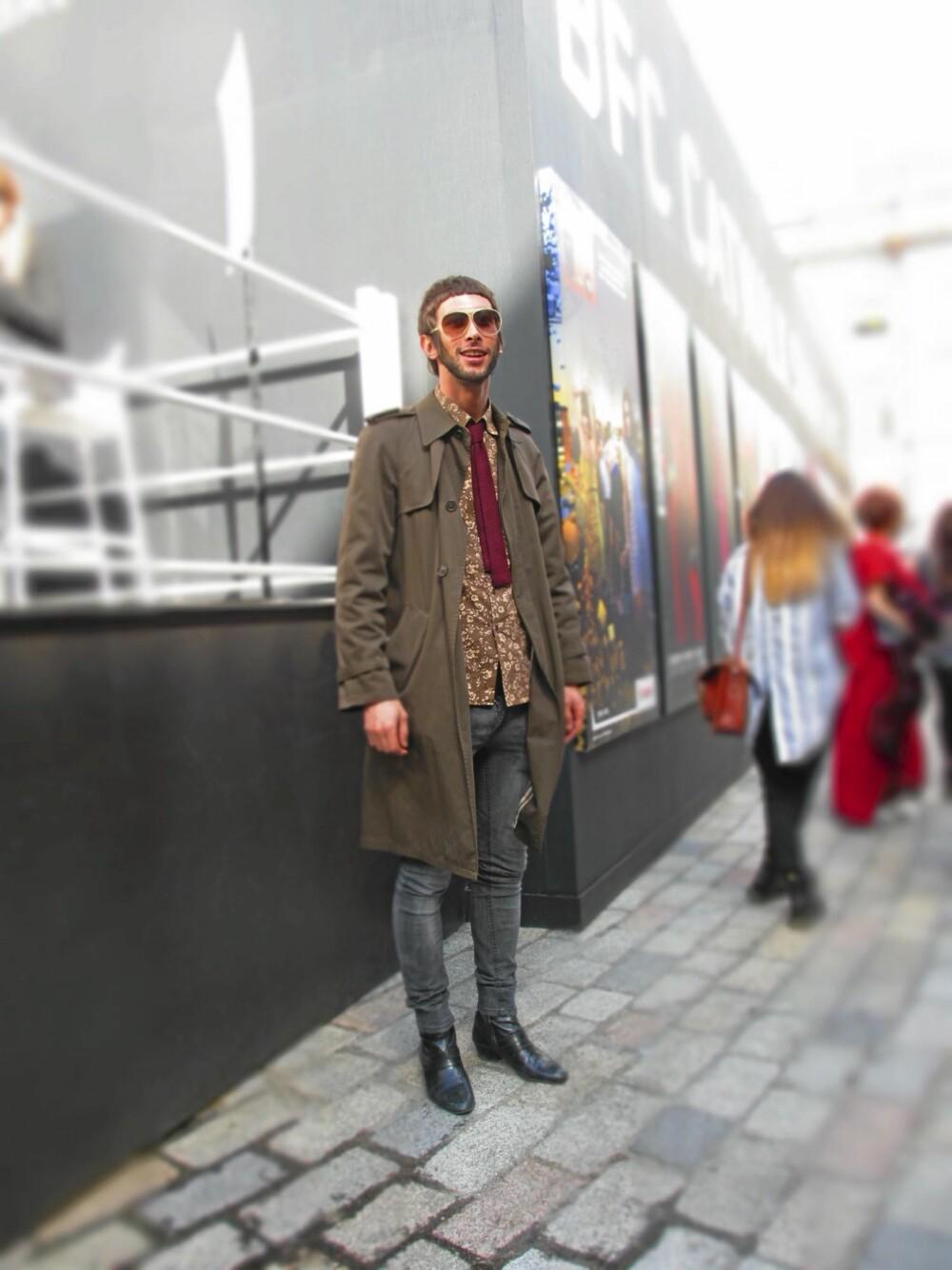 LONDON FASHION WEEK: Med en oppdatert ¿bollesveis¿ og rockabilly-slips fant denne herremannen veien frem til første rad.