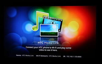 PÅ TV: Media Link er koblet til TV-en din, og viser automatisk innhold når du sender dette fra mobilen.