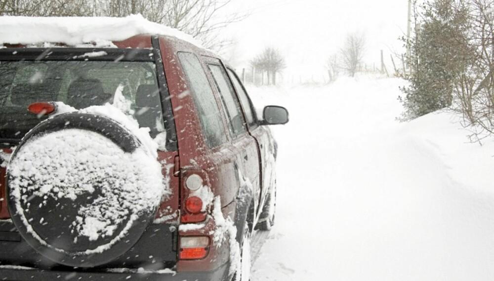 VINTERBIL: Mangeårig biljournalist og dekkekspert Kjell Magne Aalbergsjø er ikke enig i at SUV-en er en god vinterbil.