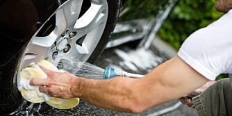 VASK: Det er viktig med en skikkelig vask, både av bil og felger, før vinteren setter inn.