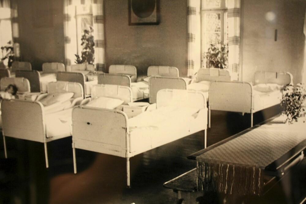 De psykisk syke pasientene ble stuet inn i en felles sovesal.