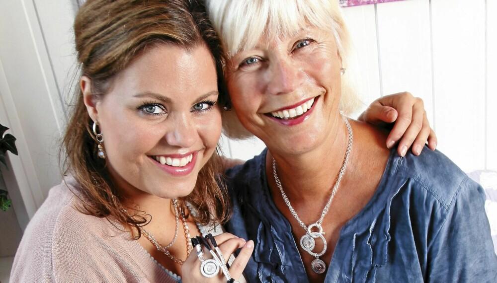 Celine Engelstad og moren Nina har alltid hatt et nært forhold. Nina forteller at hele familien støtter helhjertet opp om datterens drøm. (Foto: Britt Krogsvold Andersen)