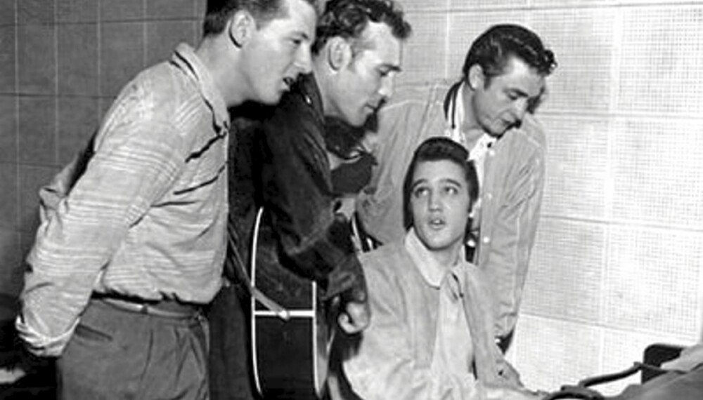 Elvis Presley, Jerry Lee Lewis, Carl Perkins og Johnny Cash foreviget under en jam session i Sun Studios i 1956.