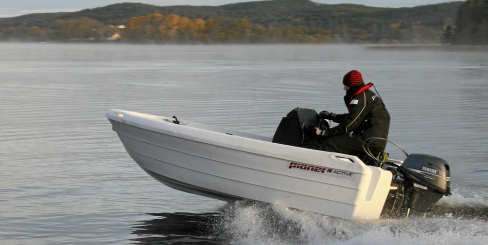 LETT: Båten skla være lettplanende med en 9,9 på hekken.