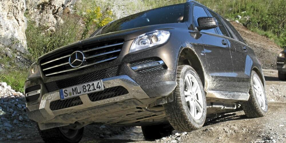KANDIDAT: Mercedes M-klasse er en stor og komfortabel SUV ¿ med imponerende evner offroad. Foto: Øyvind Jakobsen.