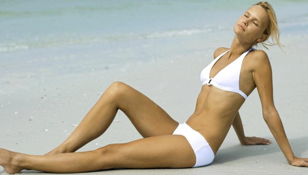 STRANDLIV: Strandoppøevelsen blir mye bedre omm an føler seg komfortabel i bikini.