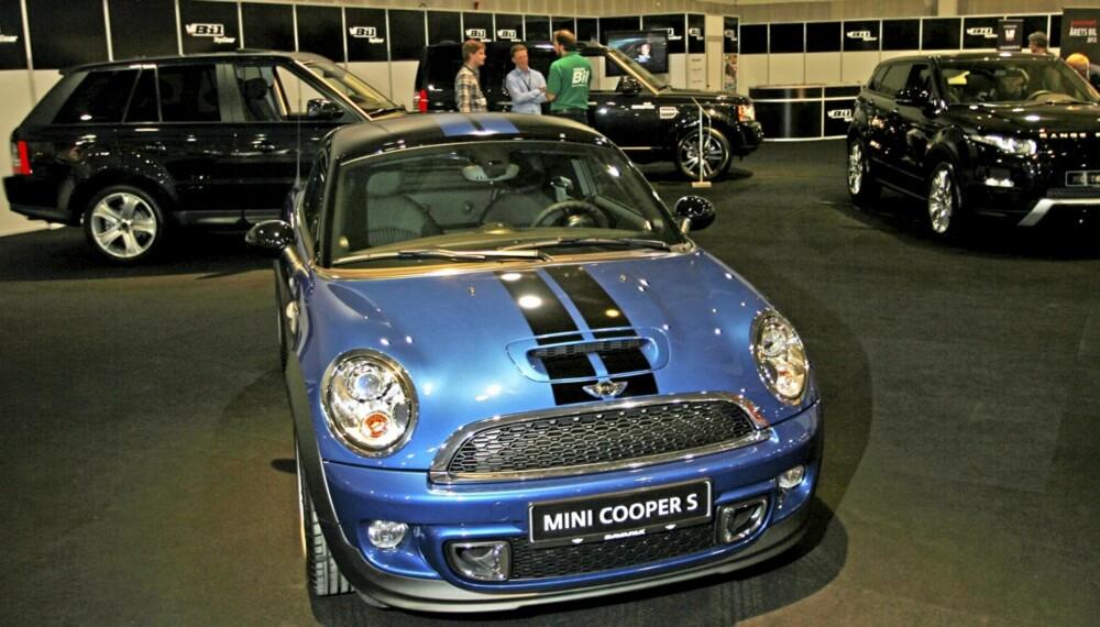 MØT OSS: På Vi Menn Bil Top Gears stand på Oslo Motor Show kan du se blant annet seg MINI Coupé, Ranger Rover Evoque og Jaguar XF 2,2D.