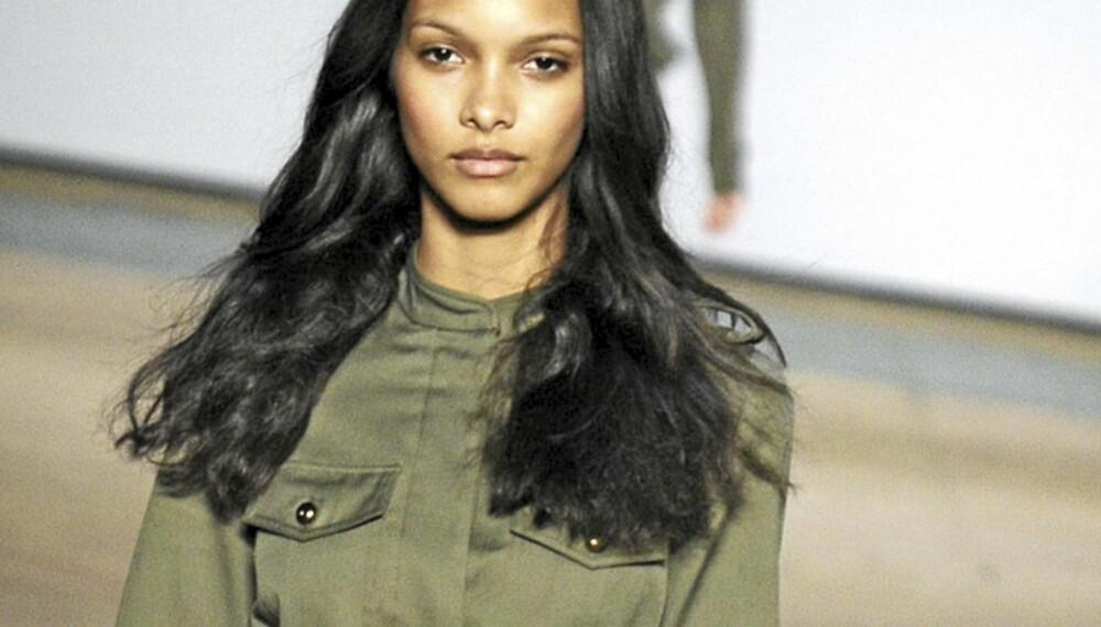 HØSTMOTE: Safariinspirert kjole fra Marc by Marc Jacobs.