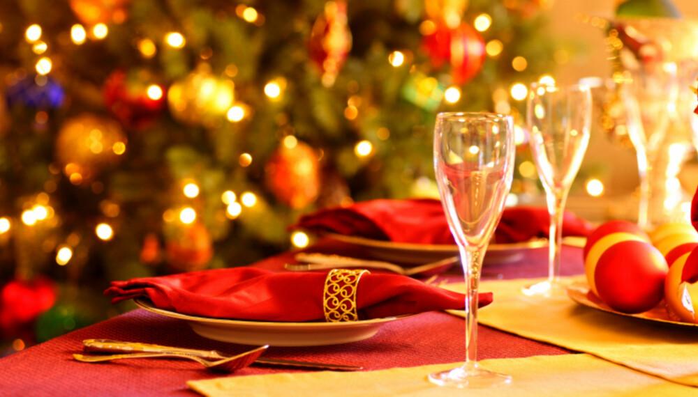 JUL: Sammen med den tunge julematen trenger du en lett og sprudlende drikke. FOTO: iStockphoto