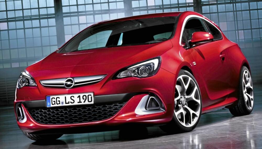 EKSTREM: Opel Astra i OPC-ham er en ekstrem versjon av den tyske kombikupeen.