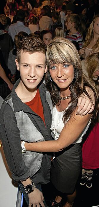 EKSTRAMAMMA: Henrik dediserte sin sang «Human» til tanten sin Mari Mortensen.