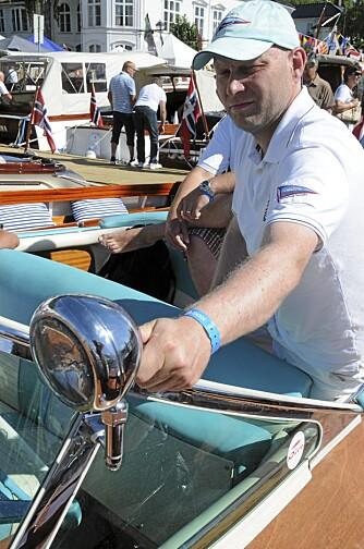 EIER: Torbjørn Skjøren er stolt eier av et stykke klassisk båtbyggerkunst.