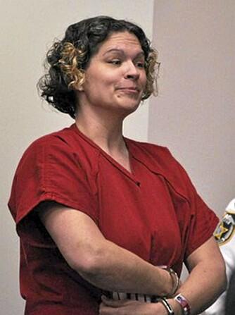 DeeDee Moore skal i mars 2012 møte i retten. Tiltalen lyder på drap. Selv krever hun eiendomsrett til Shakespeares millionvilla.