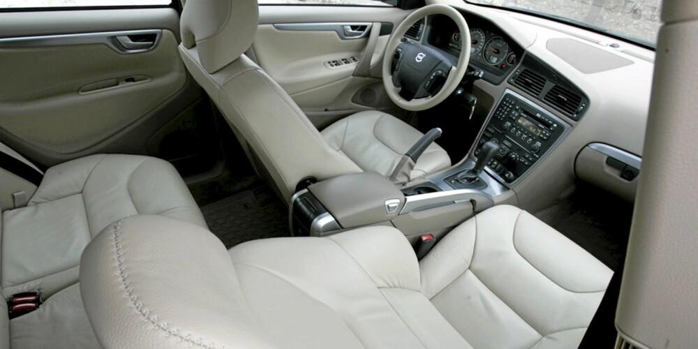 VOLVO XC70: En svært behagelig sittekomfort er et av bilens høydepunkt.