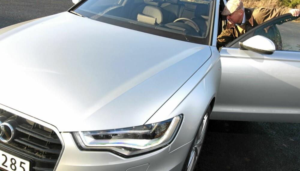 MERC-MAN: Skotsk-ættede Lars Gordon Stiff liker utseendet på nye Audi A6 og vurderer å bytte ut sin seks år gamle Mercedes E-klasse. - Jeg vurderer både nye E-klasse, BMW 5-serie og Audi A6, men har ikke bestemt meg ennå, sier Stiff.