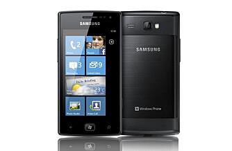 STRØMGJERRIG: Samsung Omnia W har en Super-AMOLED-skjerm, som bruker mindre strøm enn andre skjermer, og har skrapt bilde.