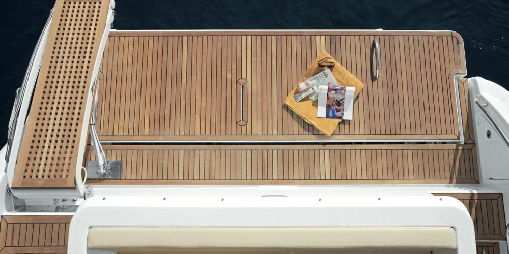 STANDARD: Det mest innovative er den hydrauliske badeplattformen, som er standard på Azimut 40.