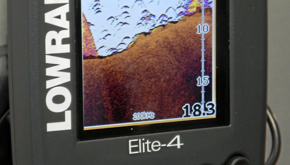 NYHET: Alle kartplottermodellene har innebygd GPS og Micro-SD kartleser.
