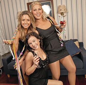 PARTYKLARE: Jakten-jentene gir bånn gass på party. Her fester Vivian og mariann sammen med Ann Kristin Bergset, som var frier hos Roar Husetuft.
