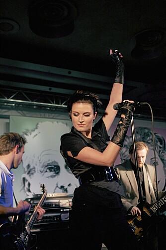 Lise Karlsnes spilte med suksesspopbandet Briskeby frem til 2005. Senere har hun flere ganger forsøkt seg på en solokarriere, uten helt å lykkes.