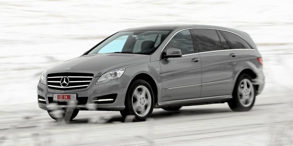 FLOTT MED FIRE: Firehjulsdriftssystemet er hentet fra Mercedes' store SUV-er. Evnen til å ta seg fram, er suveren.