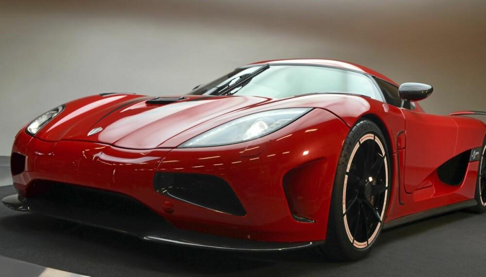 LYN: Denne bilen er verdens raskeste til 300 km/t. Foto: Koenigsegg