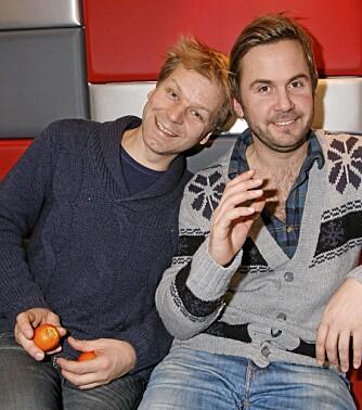 MAKKERE: - Man kan ikke bare oppfostre enebarn som Espen Eckbo. Småbarnspappa Kristian fleiper gjerne med humorkollegaen.