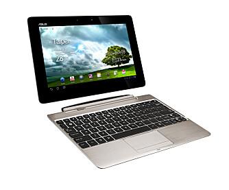 KOMBI: Transformer-navnet spiller på at du kan koble av og på et ekstra tastatur, noe som gjør at nettbrettet til for veksling ligner en lekker bærbar PC.
