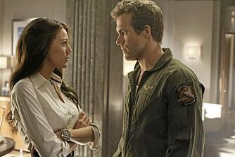 """FORELSKET: Ryan Reynolds og Blake Lively har virkelig funnet tonen, både på settet til """"Green lantern"""" og i det private."""