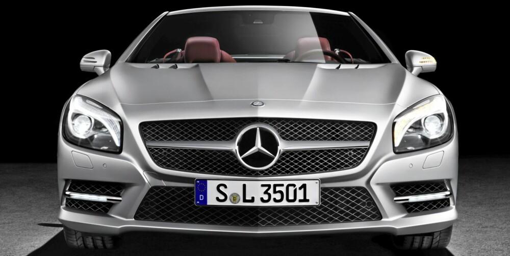 SL: Lengre, bredere og råere.