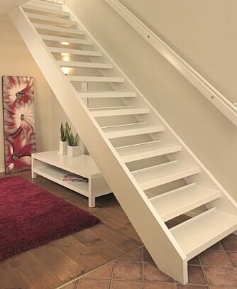 FLUNKENDE NYTT: Hva med en hvit trapp i laminat?