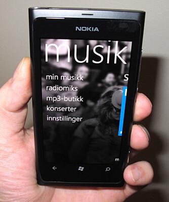 MER ENN MP3: Nokia Musikk er en app som lar deg høre på ferdige spillelister, kjøpe musikk og sjekke konserter i nærheten.