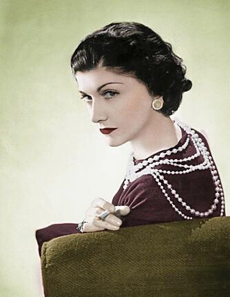 DAMEN BAK KJOLEN: Coco Chanel revolusjonerte måten kvinner kledde seg på da hun i 1926 introduserte «den lille sorte.»