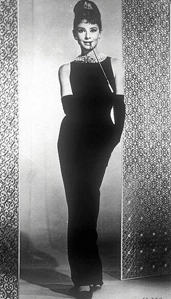 LEGENDARISK KJOLE: Audrey Hepburn sin legendariske Givenchy-kjole i filmen Breakfast at Tiffany's satte standarden for hvordan kvinner kledde seg på 60-tallet.