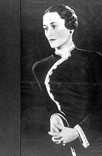 KONGELIG ELSKERINNE: Hertuginnen av Windsor lovpriste plagget, og var ofte kledd i en svart kjole.