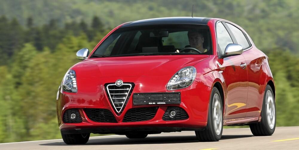 STERK: Alfa Romeos 235 hk turbomotor sørger ikke bare for enorm spurtstyrke, men er i tillegg bjørnesterk.