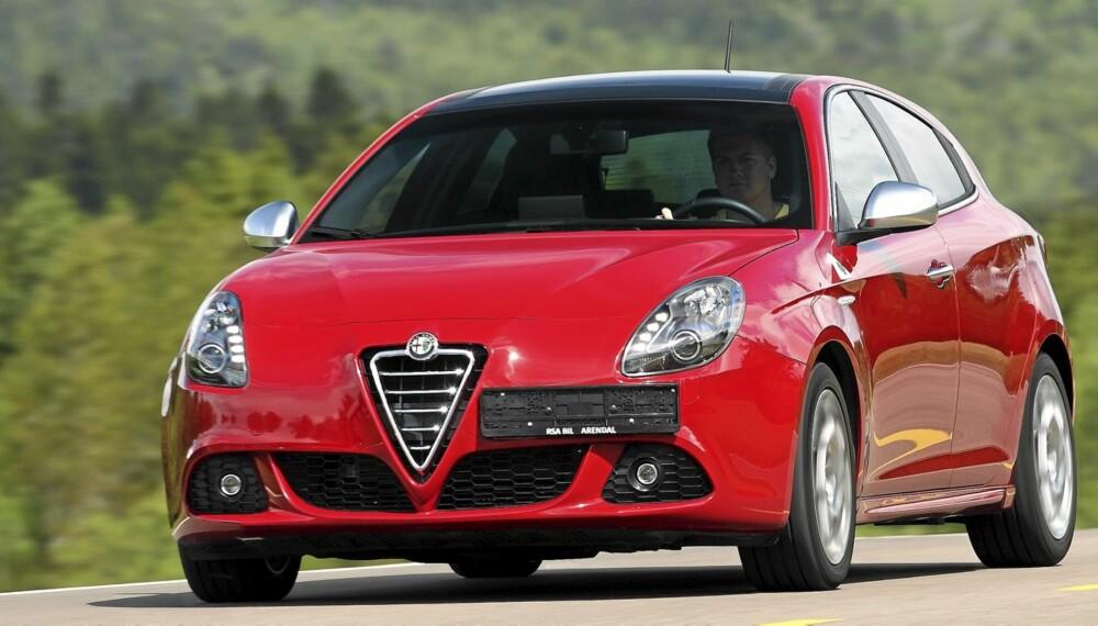 IKKE HELT NORMAL: Bak et ganske standard Giulietta-fjes skjuler det seg et solid kraftverk.