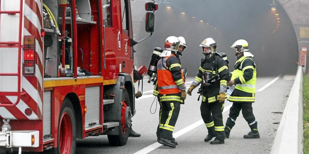 MARERITT: Storbrann i en tunnel er mange brannfolks verste mareritt. ILLUSTRASJONSFOTO: Colourbox