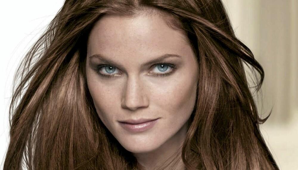 VAKKERT HÅR: Hjemmefarging er et rimelig alternativ, og gir deg vakkert glansfullt hår.
