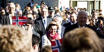 Kong Harald og dronning Sonja fikk en kongelig mottagelse på St Olaf College. Et flott studiested.