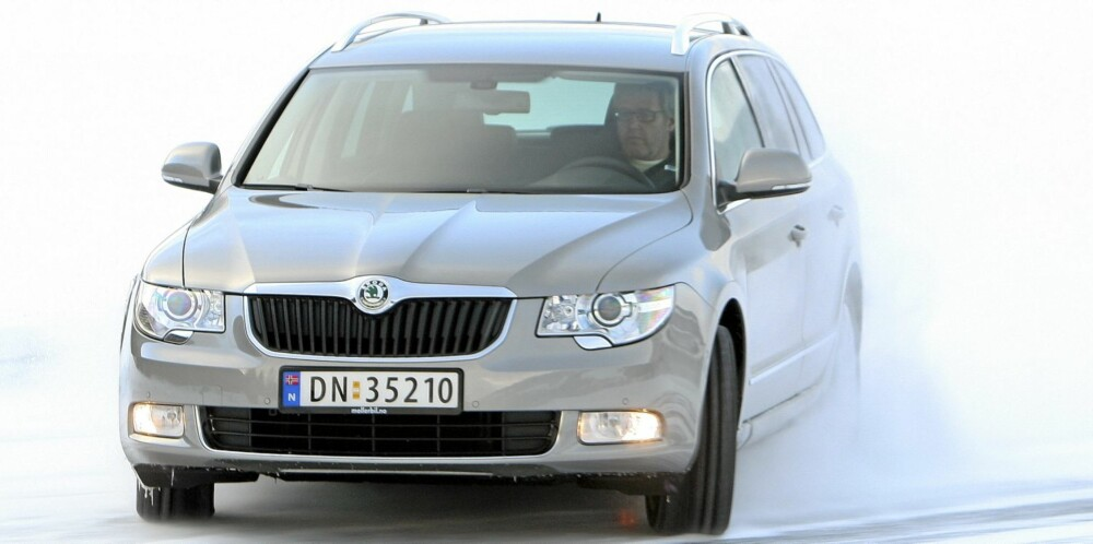 GJERRIG: Skoda Superb 1,4 TSI stv er en diger bil, men våre målinger viser at den bruker minst drivstoff blant de store familiebilene med bensinmotor.