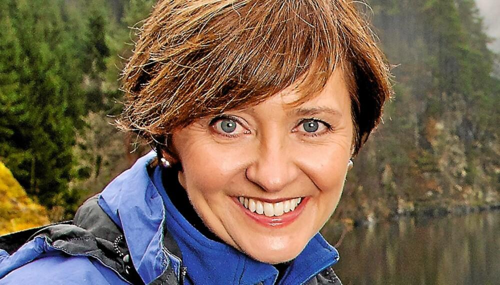 TRIM OG KRIM: Solveig Barstad trener pilates og er altetende når det gjelder krim. - Men jeg finner også roen i naturen, sier hun.