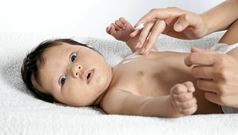 EN MILEPÆL: 6-ukerskontrollen er første gang babyen undersøkes av lege og helsesøster siden fødselen.